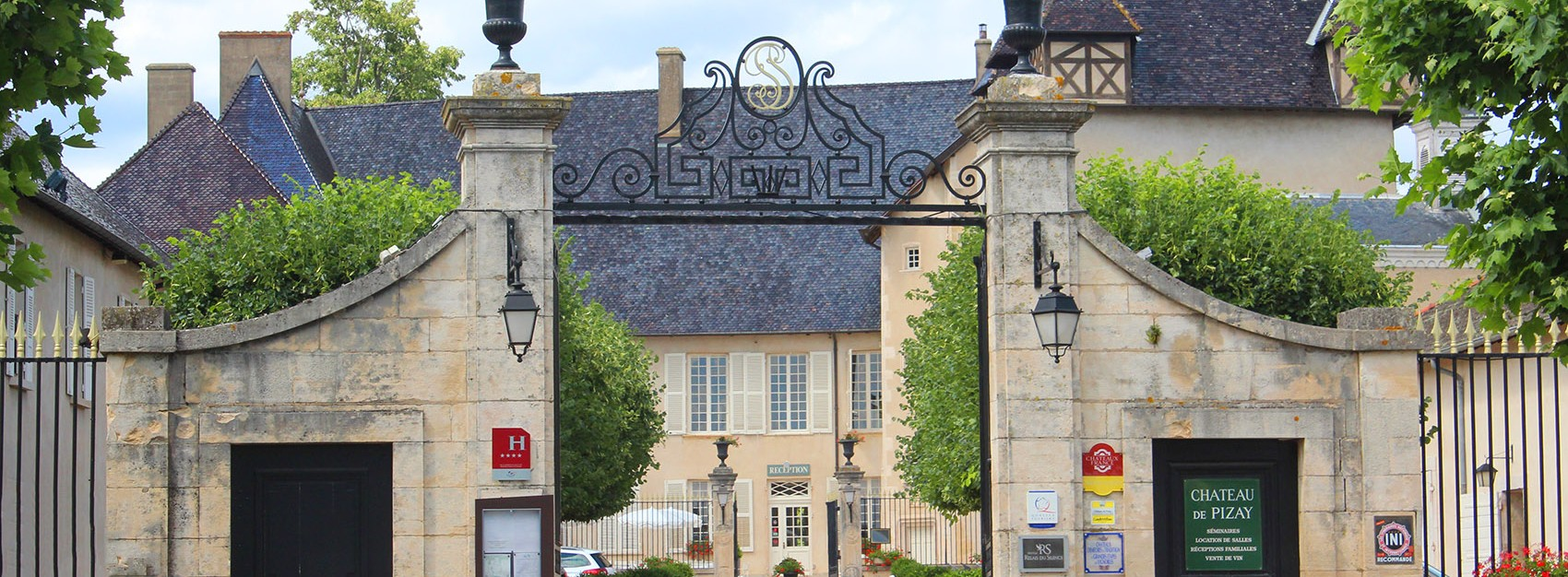 Chateau de pizay french wines - Chateau de pizay restaurant ...